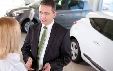 Automobilverkäufer-Anzug