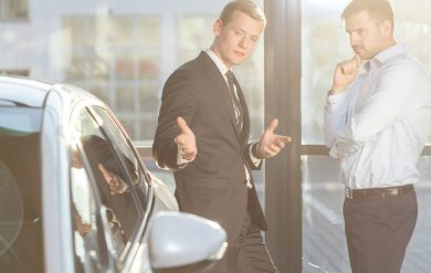 Als Autohändler selbständig machen: Finanzmanagement steht an oberster Stelle